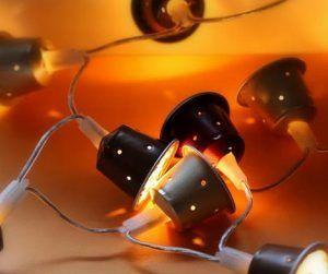 luces con capsulas de cafe reciclado